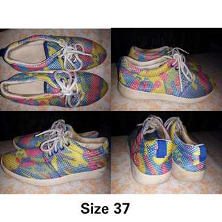 PRELOVED. RUBBER SHOES (COLORFUL)