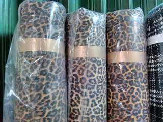Dijual cepat bahan/kain bubble pop motif macan