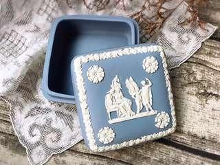 英國製Wedgwood Jasper 水藍碧玉浮雕大方型珠寶盒