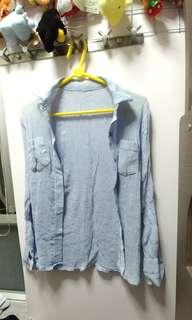 (輕薄)淺藍色直條防曬衣
