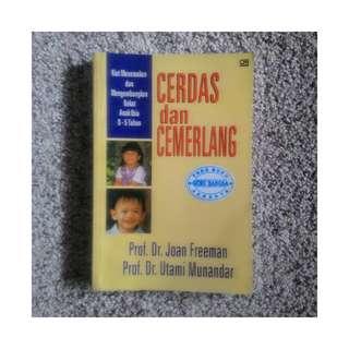 Buku Kiat Menemukan dan Mengembangkan Bakat Anak Usia 0-5 Tahun