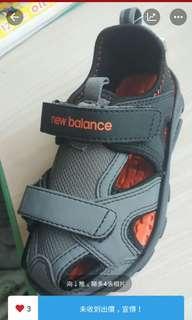 正板 New Balance 兒童涼鞋 100%New