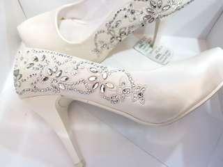 Italy Anna Nucci Wedding shoe. Dinner shoe white