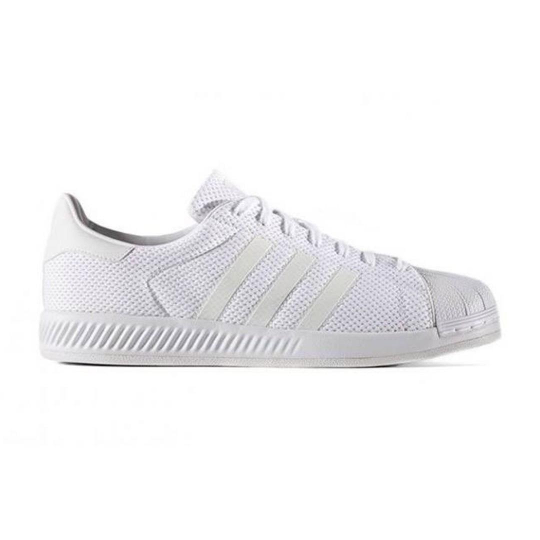 """Découvrez l'Adidas Originals Superstar BOUNCE """"Triple White"""""""