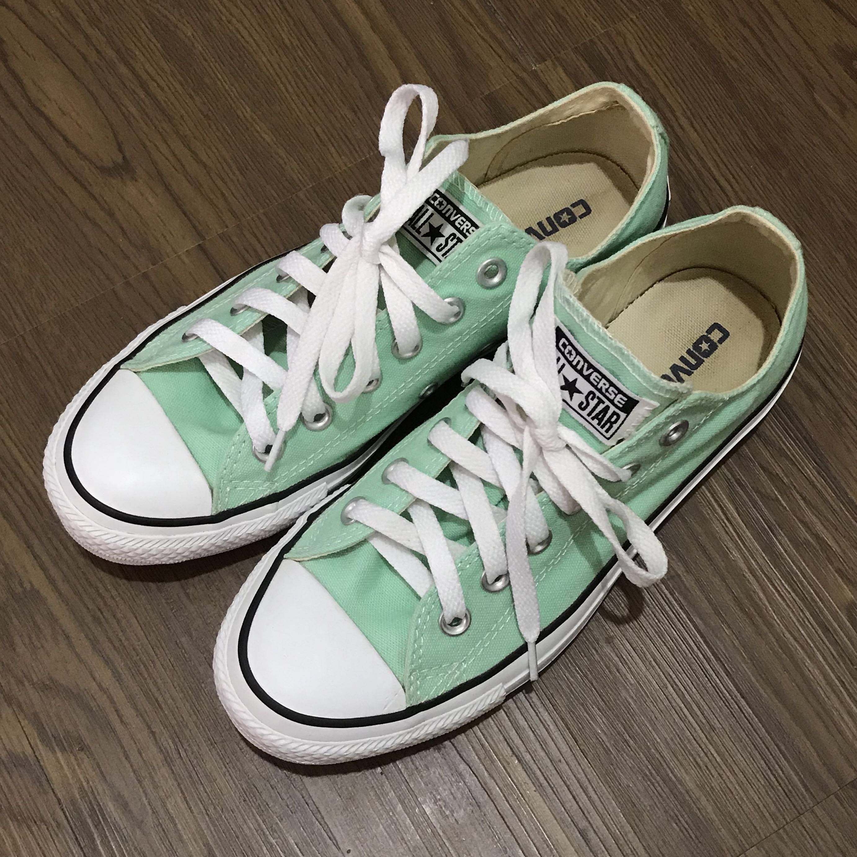 a7aecde3f281 Authentic Green Tosca Converse Sneakers