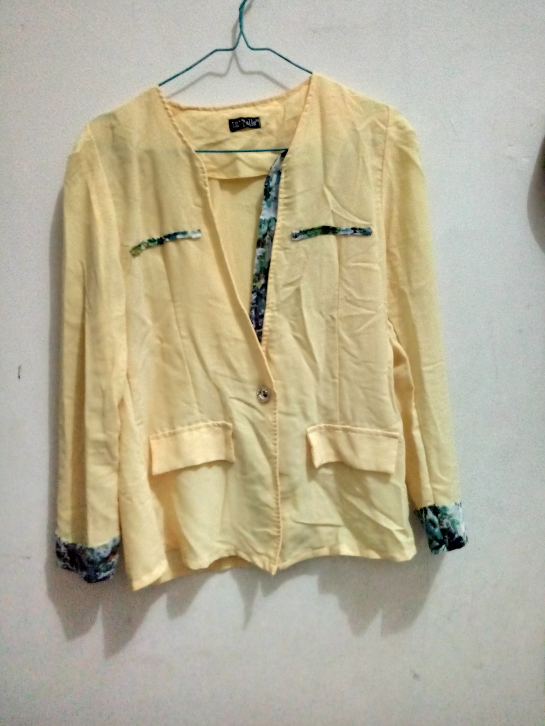 Blazer yellow