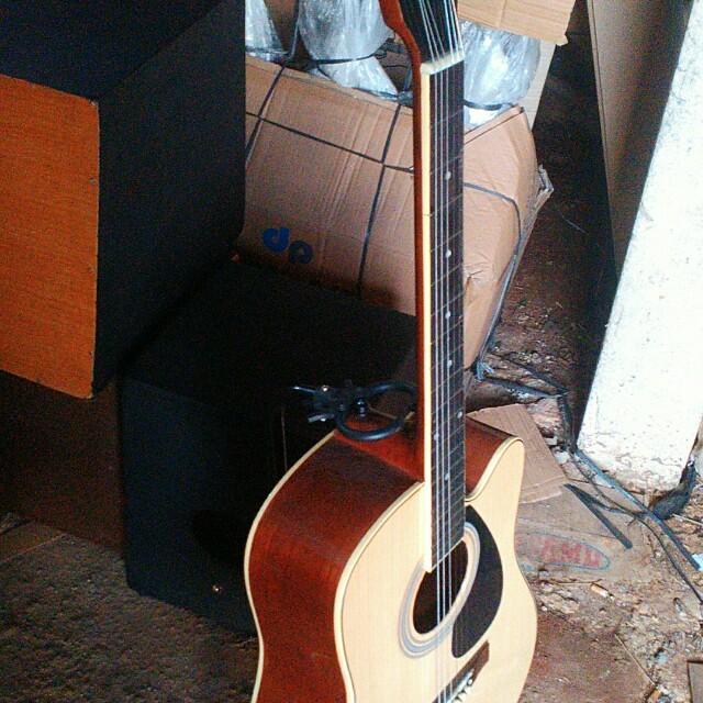 Gitar Acccustik Yamaha Musik Media Alat Di Carousell