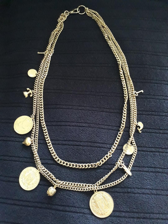 Kalung Rantai Dengan Macam2 Ornamen Preloved Fesyen Wanita Bulu Mata Qly Export Quality Rambut Asli Perhiasan Di Carousell