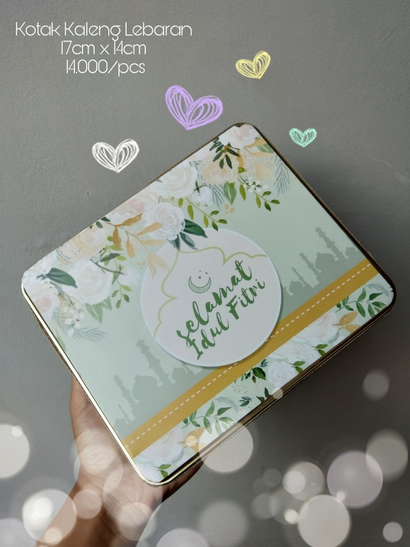 Kotak Toples Kaleng Lebaran Food Drinks Packaged Snacks On Mie Lidi Clbk Carousell