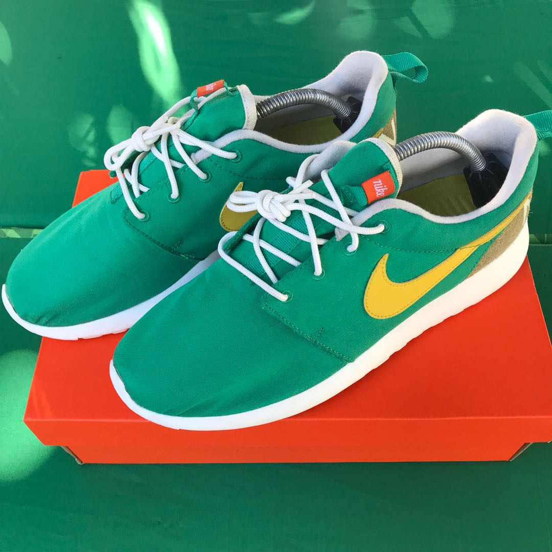 premium selection df57f 2571a Nike Roshe One Retro Men Lifestyle Casual SNEAKERS Rosherun Lucid Green,  Mens Fashion, Footwear on Carousell