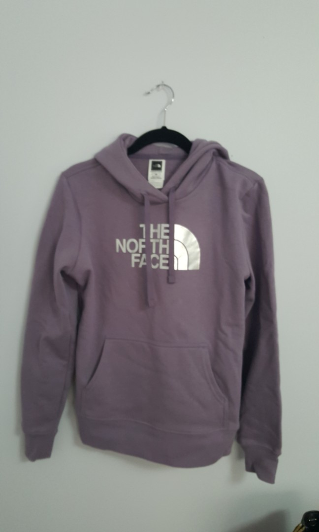 North face pullover size small