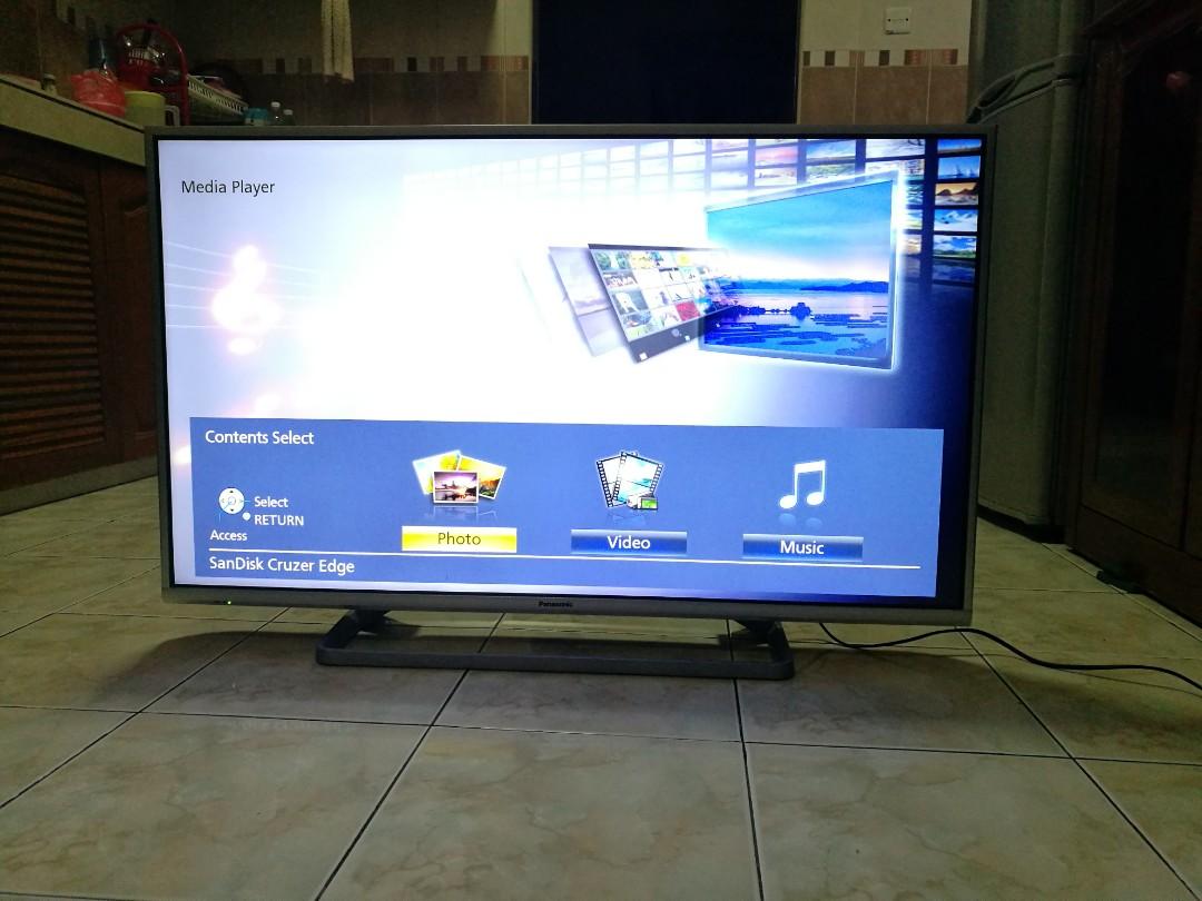 Panasonic Viera 42* Smart TV Led