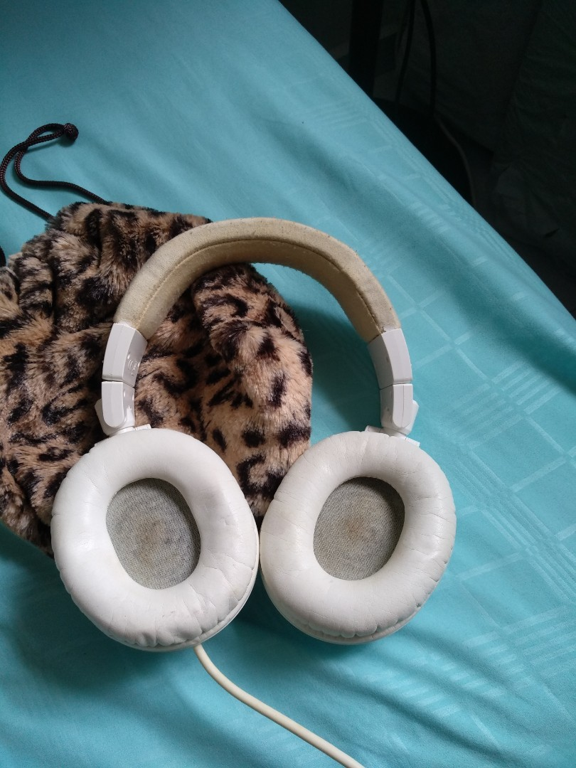 403e6eb3735 Preloved AudioTech ATH M50 Headphones