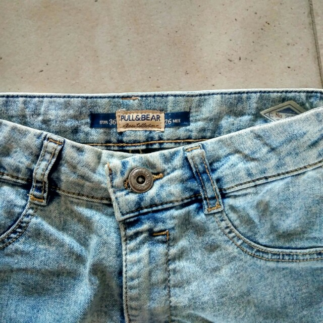 Pull Bear Basic Collection Light Denim Wash High Waisted Jeans Women S Fashion Clothes Pants Jeans Shorts On Carousell