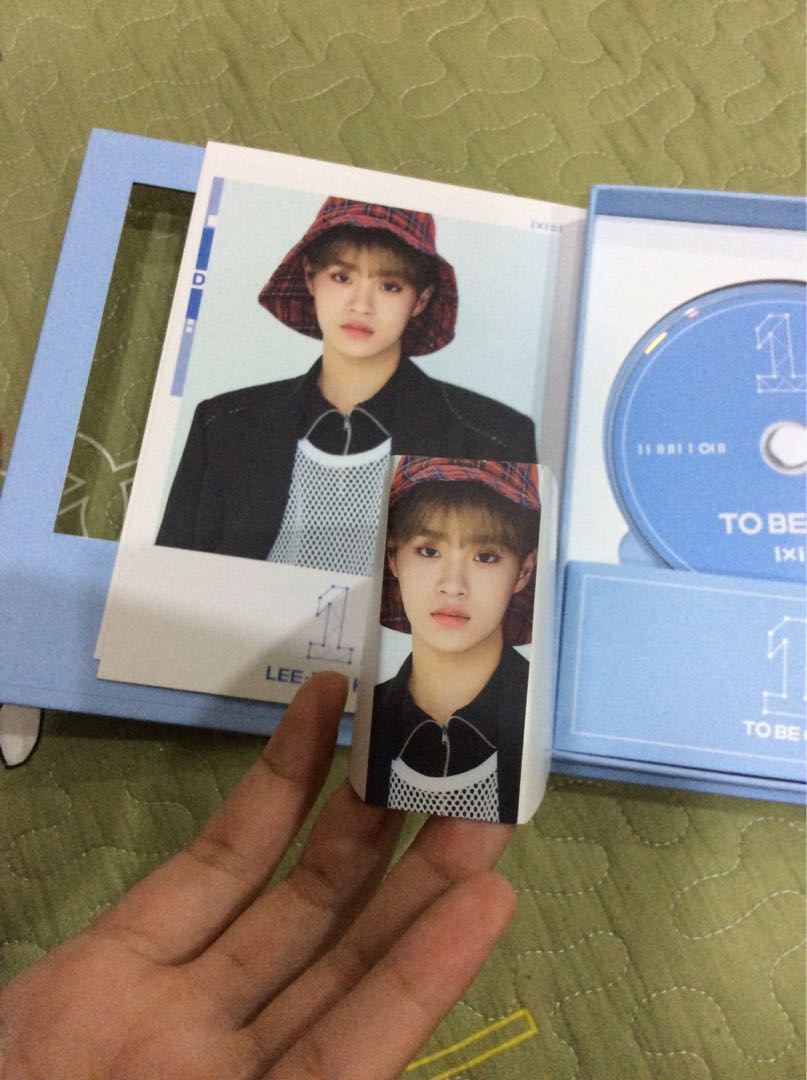 Wanna One - to be one album. (Sky ver)