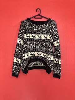BW Knitted Sweater - 350