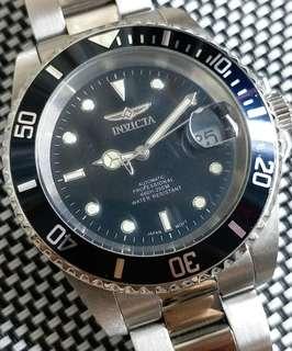 95%新淨美國Invicta機械潛水錶,全原裝,連盒及保用証,後備帶格,24石自動機芯,行走精神,錶頭43mm不連錶的,錶耳20mm,全套$1300,有意請pm