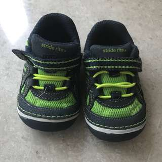 Stride Rite Boys Shoes in box!