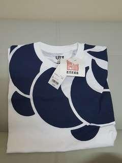 Uniqlo japanese design T-shirt