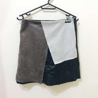 🚚 獨特的拼接皮與絨的短裙