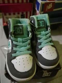 Unilite DC shoes