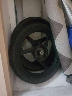 spark 135 racing boy 3 spoke sport rim fornt and backs tires negotiable