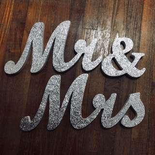 Mr & Mrs Signage