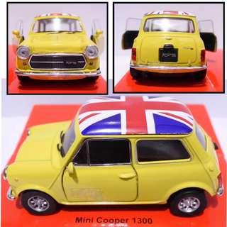 Mini Cooper 1300 - Diecast skala 36 Welly Nex Miniatur Mobil jadul klasik merah