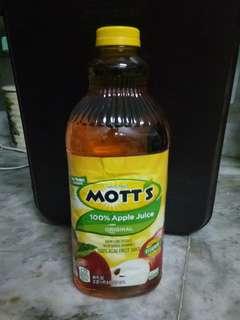 Motts Apple Juice 2.54 Liters