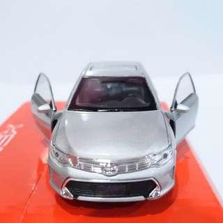 Toyota Camry - Diecast skala 36 Welly Nex Miniatur Mobil Sedan silver