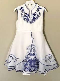 Dress w/ embroidery 3T (hardly used)