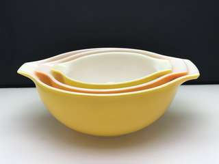 PYREX MIXING BOWLS - Made in USA