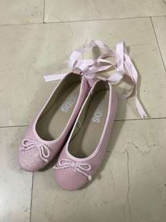 KIDS shoes ( size 2)
