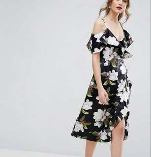 Warehouse floral wrap dress size 8