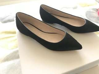 Witchery pointed black flats - Size 37
