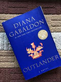 OUTLANDER New York Times Bestseller by Diana Gabaldon