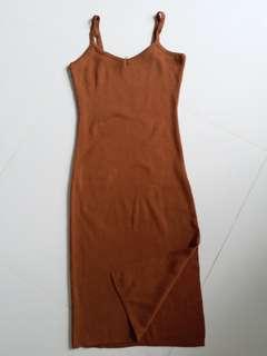 啡色吊帶單邊開义貼身裙