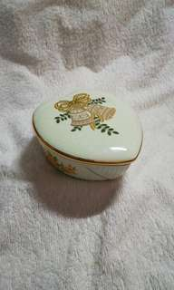 Vintage Sylvac 24k Gold Trimming Ceramic Heart Shape Canister with Lid