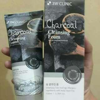 3W Clinic Charcoal Cleansing Foam