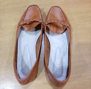 Vincci Flat Shoes #letgo4raya