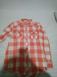 Square patterned peach shirt