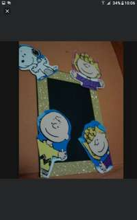 Diy snoopy and charlie brown characters Photo frame  Comes with 4 snoopy n friends cutouts Plus foam frame  $2 each  Add $1 for postage  Pick up hougang buangkok mrt