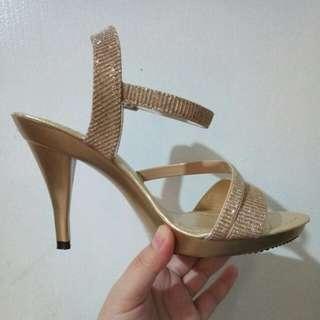 Ladies Shoes Gold