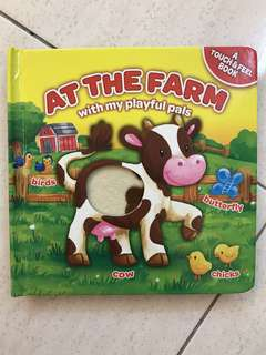 At the Farm with My Playful Pals - Touch & Feel Book