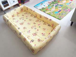 Toddler bed/mattress with bumper