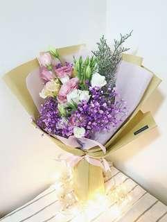 Fresh Flower Bouquet in Kraft paper