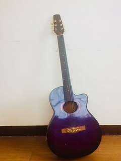Guitar with free capo and casing! In Purple/Violet color