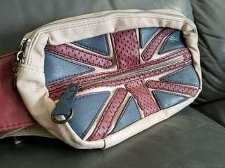 日本購入心口斜孭袋英國旗卡其色 手袋背包背囊手挽袋日系 (限郵寄)(包郵)
