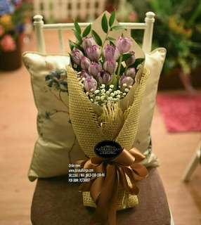 Bunga rangkaian hand bouquet tulip - birthday - mother's day - anniversary - kado - gift