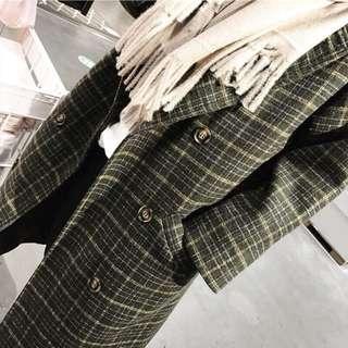 🚚 秋冬新款時尚復古顯瘦中長款格紋大衣 毛料外套